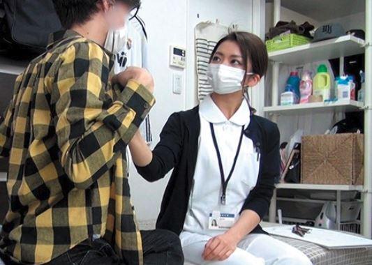 カメラだらけのヤリ部屋にのこのこ美人看護師が…テキトートークとノリで即ハメアへ顔を盗撮配信でハメ撮り動画流出は確定か♡