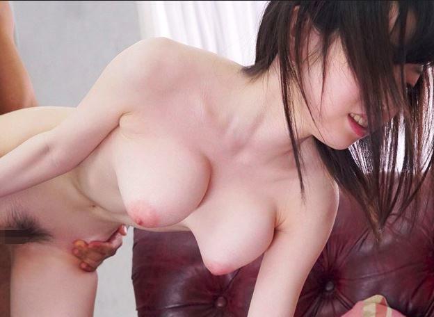 桃色の乳首露出♡ロリ爆乳のエロ過ぎセクシーアイドル♡オジサンチンポも回春確実な…フル勃起♡