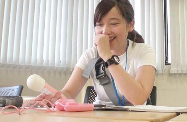 《SOD女子社員》純情ウブっ娘OLのリアルSEXを見たいオトコ多数♡隠れ美乳な美少女の私生活とハメ撮りドキュメンタリー