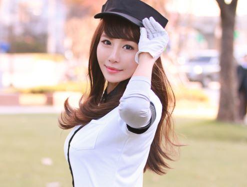 《韓流女子ゴルファー》ワタシのホールに挿れてみる?GOLFと一緒にエロレッスン♡チンポの握りは極上な痴女アスリート