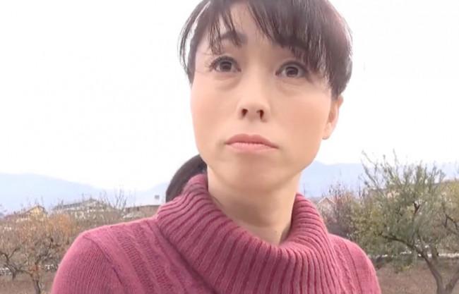 《熟女×不倫》ヤルとなったらハナシは早いww農作業の合間にガツガツファック♡田舎の人妻は肉食系~即ハメ