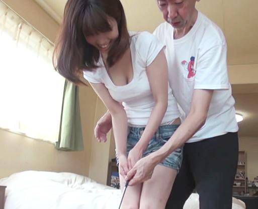 《若妻×寝取られ》クビレ巨乳の人妻にゴルフレッスンでセクハラタッチ♡発情奥さんの肉棒の握りかたは天下一品でしたっ♡