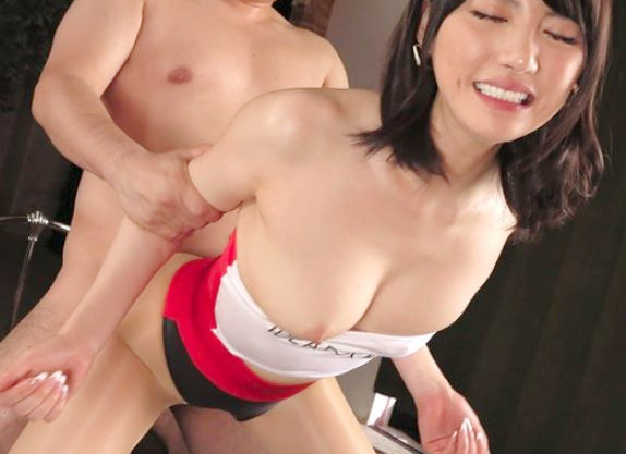 《ハイレグRQ》スレンダーな美脚美尻のレースクイーンのお姉さんをデカマラガン突き♡巨乳露出なレオタードの横から着ハメ