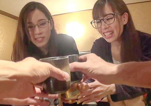 《素人軟派企画》脱いだら…バカすげぇぇーー♡地味目なメガネ姉妹はクビレボインのヤリマンビッチ♡濃厚ご奉仕の姉妹丼♡