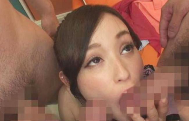 《素人ナンパ》痴女の噂はホントだった♡隠れ巨乳な美容師のお姉さんが性癖そのままAVデビューで…チンポに囲まれご満悦♡