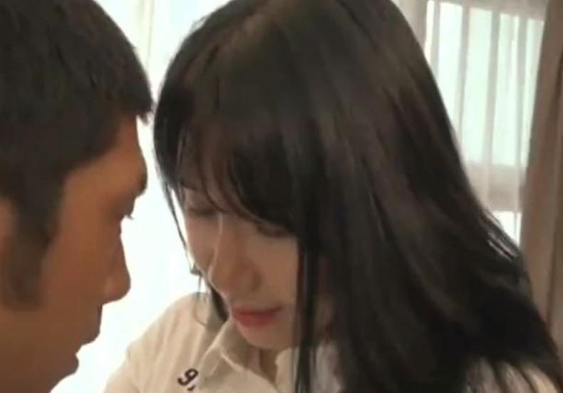 《韓流お姉さん》ソコはもっと優しく…はぁん♡エロ指導はハンパないスキモノアスリート♡デカチンの握りは天下一品
