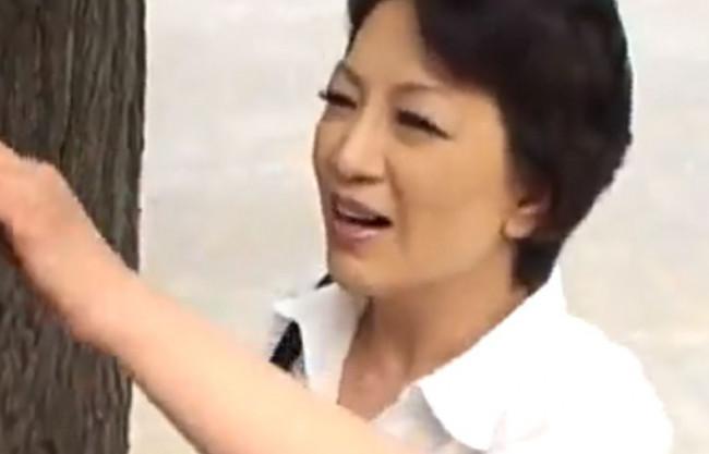 《近親相姦》お母さん…寂しかったよ…♡上京した息子と心配する母♡久しぶりの再会で親子の一線を越えた鬼畜な関係♡