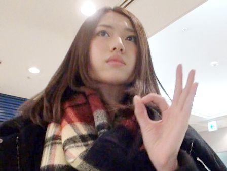 《素人ナンパ企画》ヘンタイ、ダイスキ…♡貧乳ロリ系な美少女はイ●ドの留学生♡ソフトなクンニと愛撫で完堕ちうっとり♡