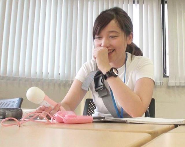 《SOD女子社員》純情ウブっ娘OLのリアルな性行為を見たい♂多数♡美乳な美少女のプライベートとハメ撮りドキュメンタリー