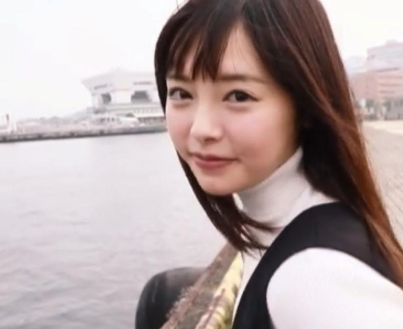 少し前は…現役JK♡透明感あふれる純情ウブっ娘がAVデビュー♡思春期チンポの極上オカズだった…妄想で犯されまくった美少女