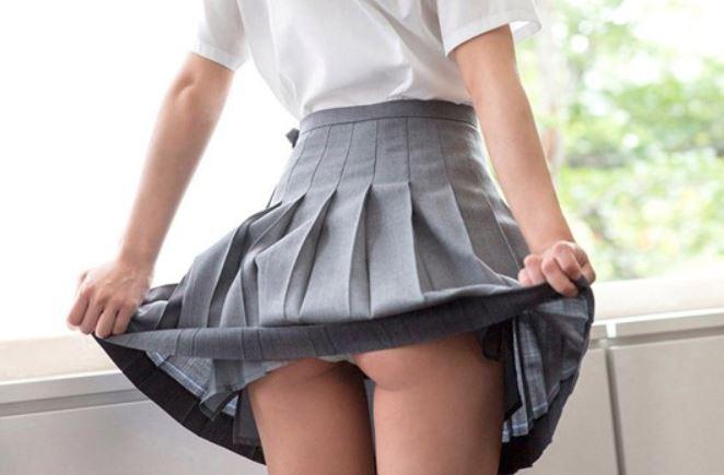 《貧乳ロリ系》黒髪ロングのスレンダー美少女♡くっそ可愛い美少女が綺麗なハダカを晒して…チンポも美味しそぉに咥える♡