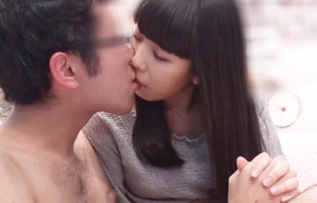 《素人ナンパ企画》私もドキドキする…♡数日前までJKだった上京したての美白美乳のウブっ娘が…ド緊張で童貞相手の筆下ろし