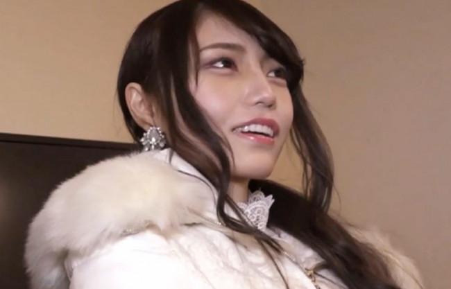 【素人ナンパ】関西弁がキュートなお姉さんをラブホに連れ込み成功♡AV鑑賞で勝手に発情…イケメン好きJDを即ハメ&ハメ撮り